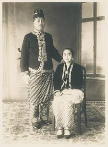 Raden Adipati Ario Danoesoegondo van Magelang met Raden Ajoe
